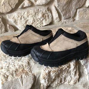 Shoes - Low cut duck boots